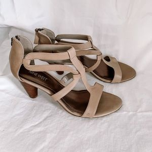 🦩2/$25 Nine West / Leather Strappy Sandals (NEW)